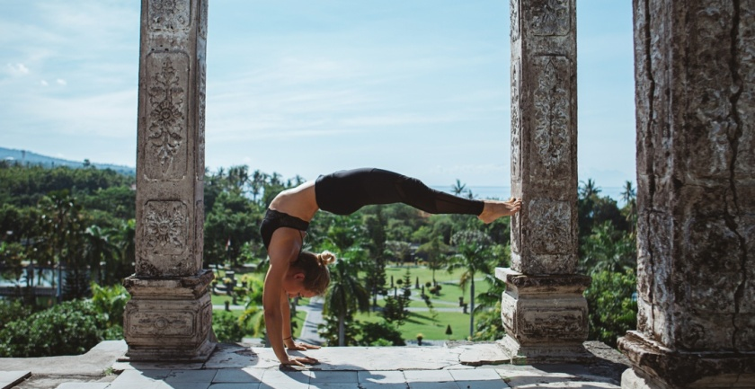 Yoga-in-Bali.-Shutterstock